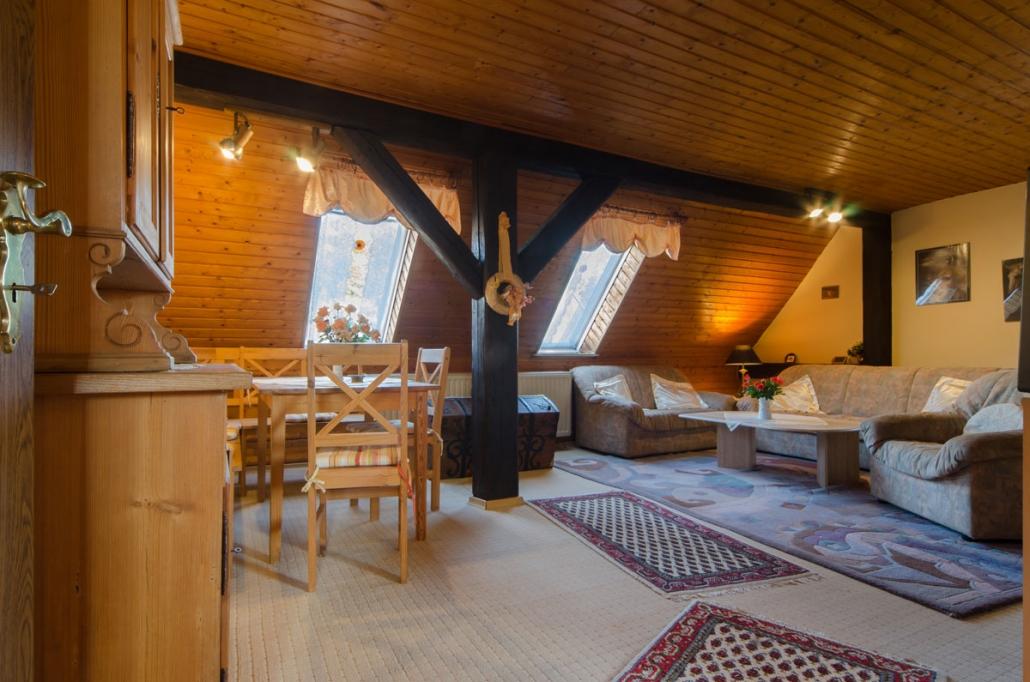Unsere Ferienwohnung im Dachgeschoss ..